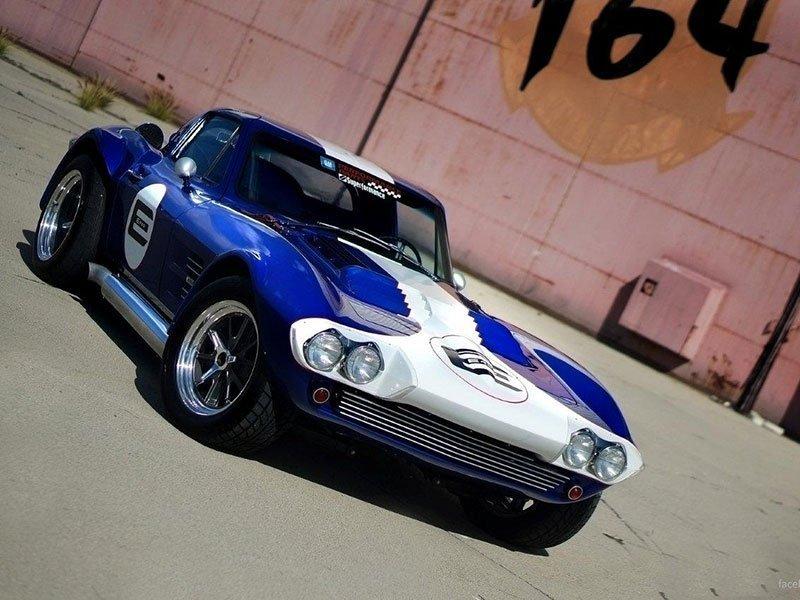 Le Mans Coupes. Corvette